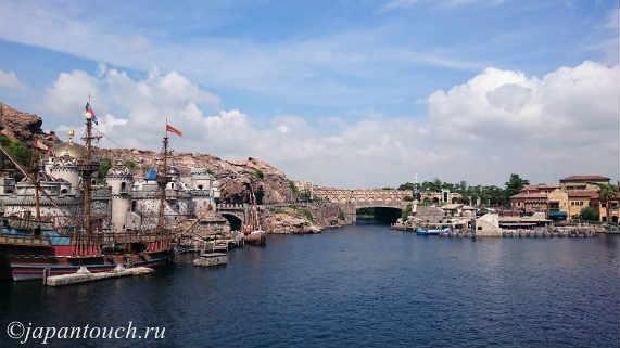 Порт в парке ДиснейСи
