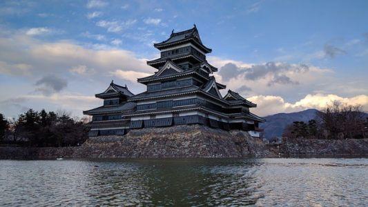 Замок Мацумото (Замок Черного ворона)