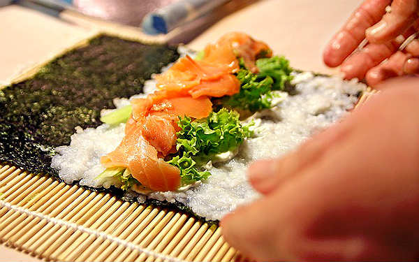 Как делать суши