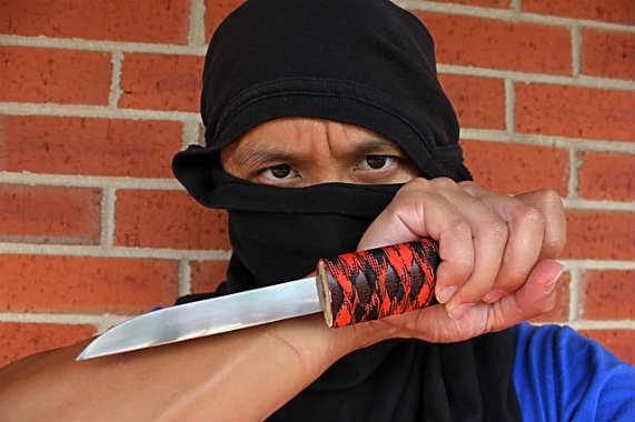 ниндзя с ножом