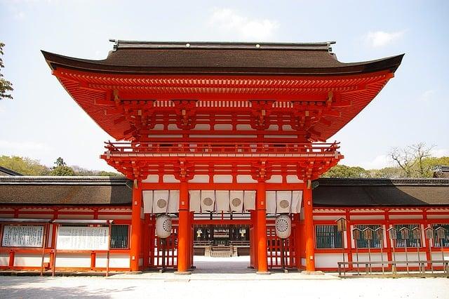 японский храм ворота