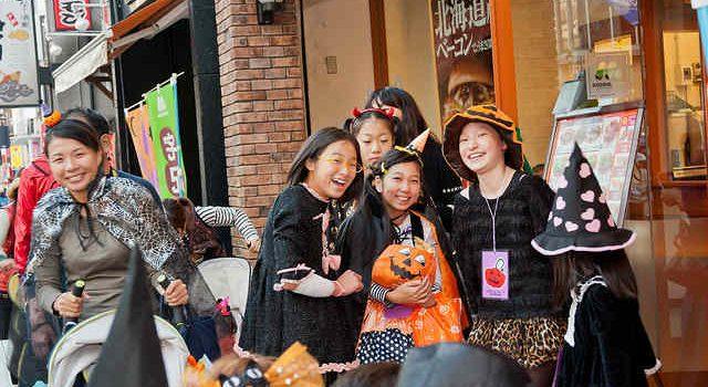 Как отмечают Хэллоуин в Японии!