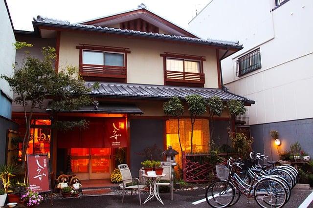 Онсэн-терапия: рёкан и японские термальные источники